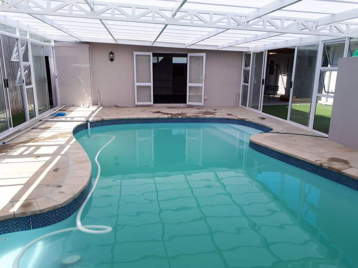 swimmingpoolenclosure2